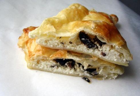 rozki-z-ciasta-francuskiego-z-serem-feta